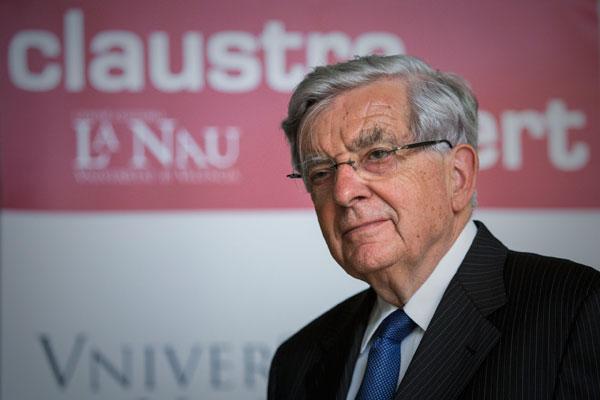 L'exministre francés i actual senador Jean-Pierre Chevènement, a la Nau de la Universitat de València.