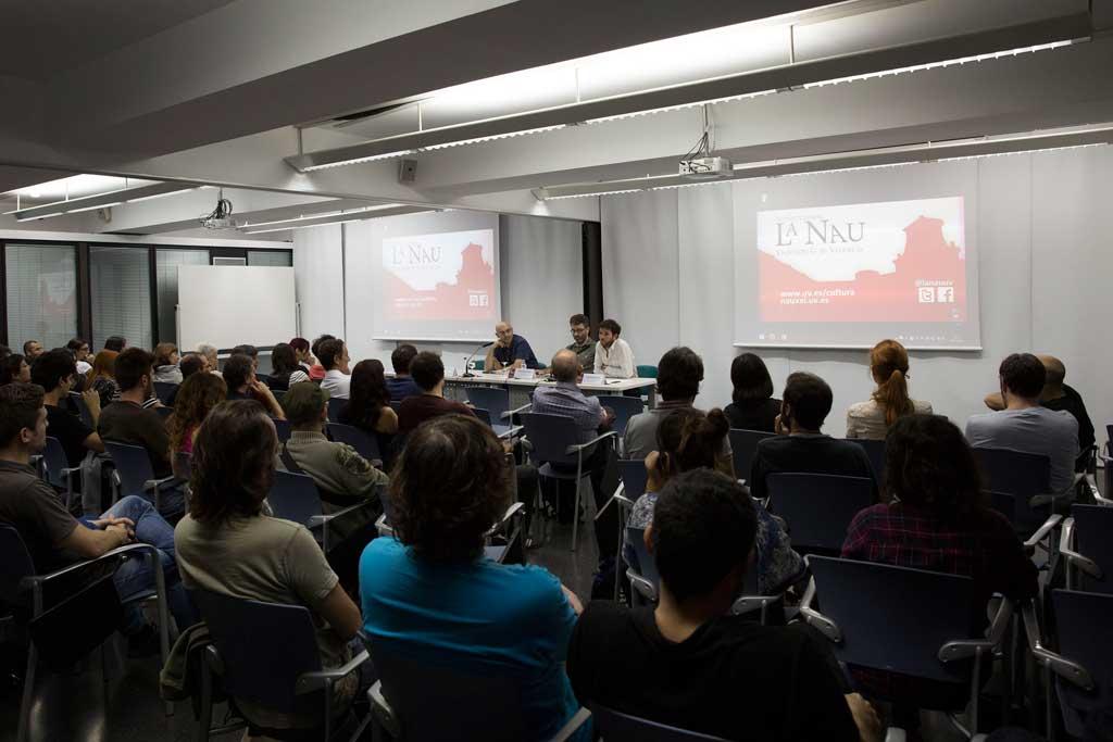 Una imatge del públic asistent a la presentació del llibre de Lenore.