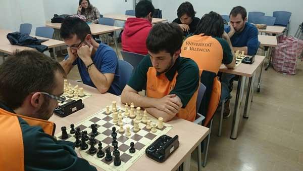 Torneig de ràpides d'escacs, organitzat pel Servei d'Educació Física i Esports.
