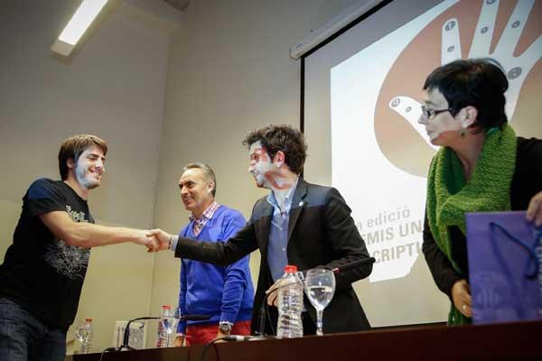 Guardonats en els XI Premis Universitat de València d'Escriptura de Creació, en les modalitats de teatre, poesia, guió de curtmetratge i narrativa breu. L'acte es va celebrar al Col·legi Major Rector Peset i va comptar amb la presència del delegat del rector per a l'Estudiantat, Daniel González.