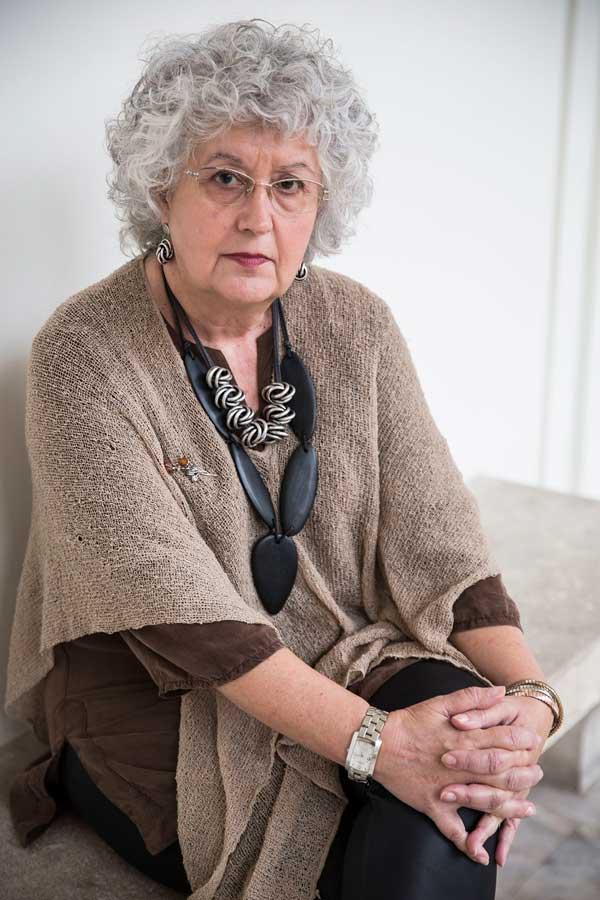 Europa contra la violència de gènere era el títol de la conferència de la professora Freixes impartida a la Nau. Foto: Miguel Lorenzo.