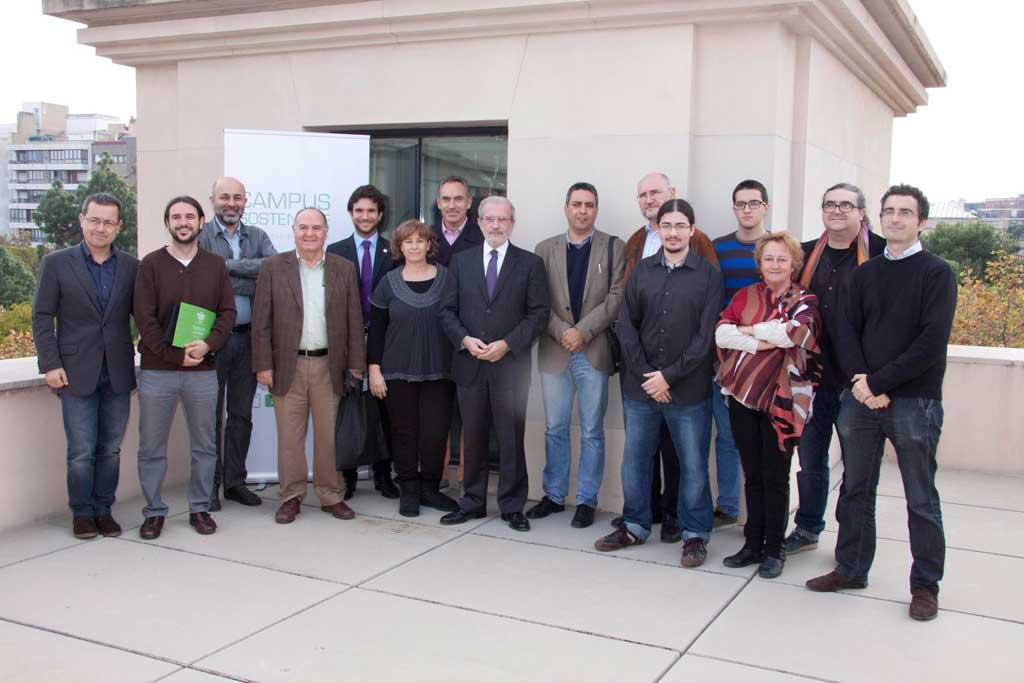 Premiats en el concurs Green Idea, promogut per l'Oficina de Polítiques per a l'Excel·lència dins del programa Campus Sostenible de la Universitat de València. Foto: Miguel Lorenzo.