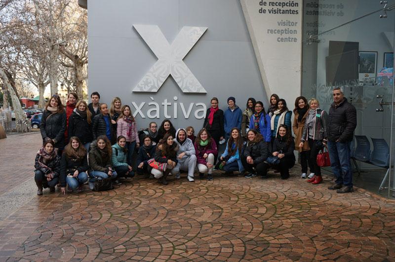 Xàtiva, la capital de la comarca de la Costera i una de les ciutats històriques valencianes més importants, va acollir una trentena d'estudiants Erasmus i internacionals de la Universitat el passat 21 de febrer.