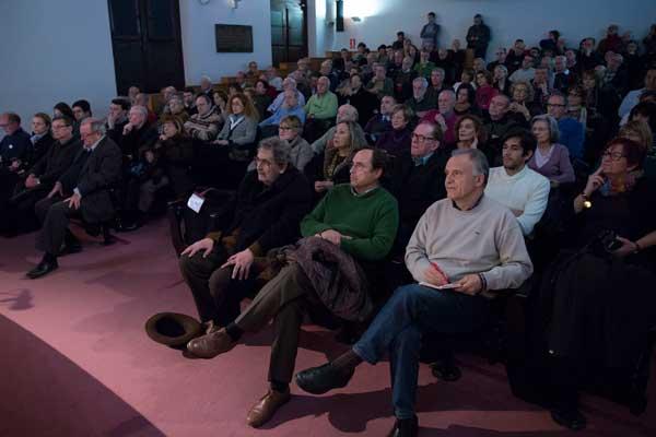 Diversos moments de l'acte de celebració del número 400 de la revista Saó, celebrat a la Nau.