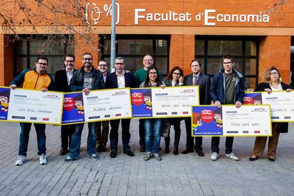Els estudiants participants en la final del Concurs Finance Challenge-Universitat de València, celebrada aquest dimecres. El concurs estava organitzat per la Càtedra de Finances Internacionals de la Universitat de València i la Fundación Finanzas para Mortales.