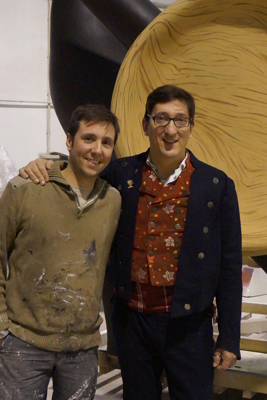 Víctor Navarro, artista faller; i Juan Manuel de la Torre, president de la Falla Universitat Vella-Plaça del Patriarca.