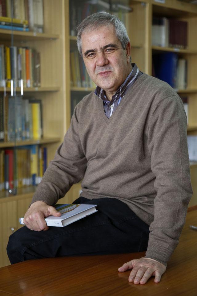 Juan Monterde ha sigut elegit degà de la Facultat de Ciències Matemàtiques de la Universitat de València.