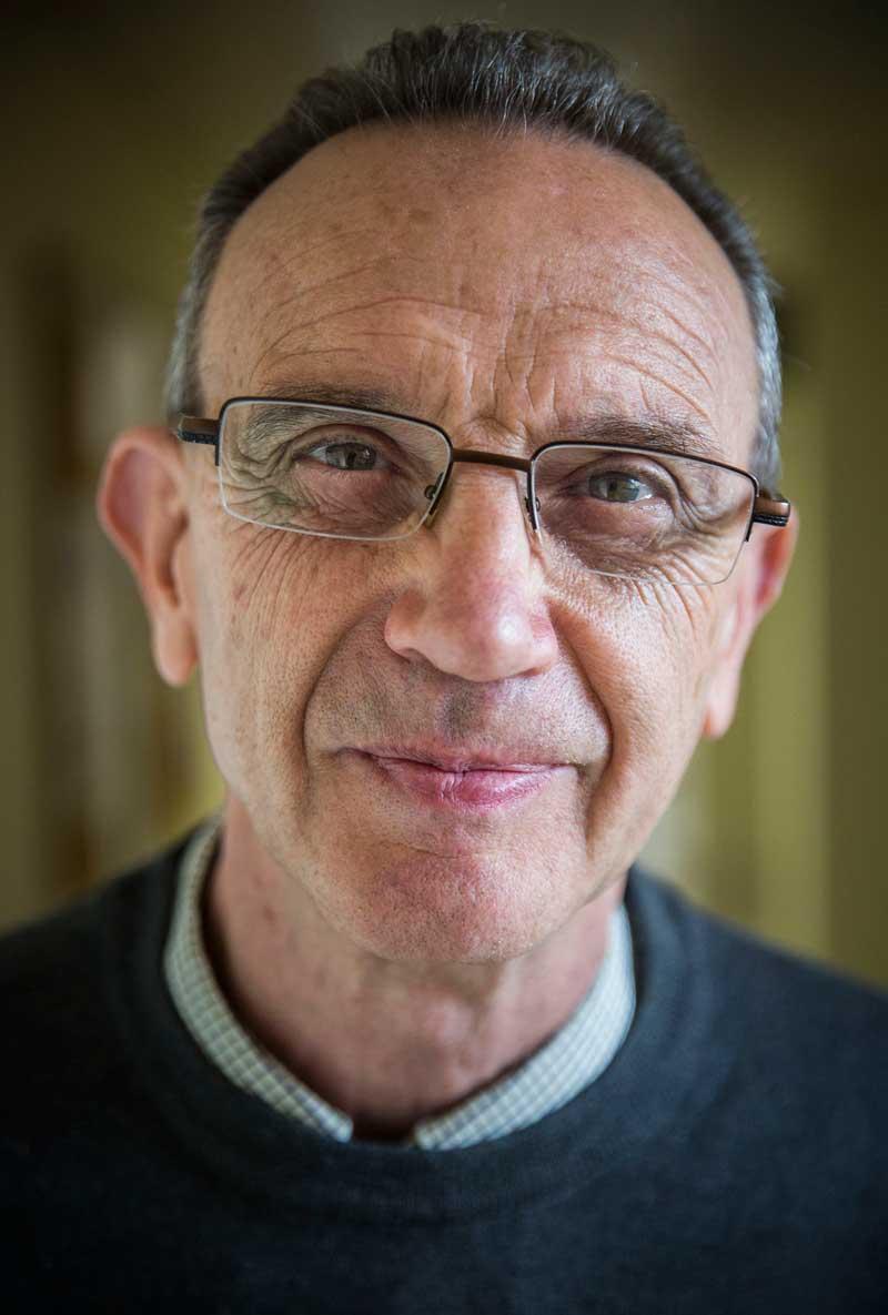 Josep Maria Jordan Galduf es jubila enguany. A banda de professor a la Universitat de València, també va ser alcalde de Llíria. Foto: Miguel Lorenzo.