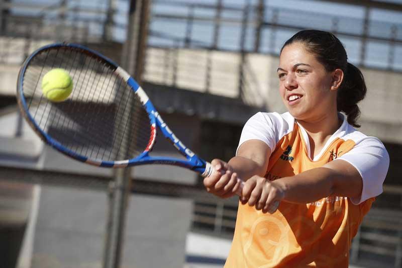 Ainhoa Zamora, integrant de l'equip de tenis que ha guanyat el Campionat d'Espanya Universitari. Foto: Miguel Lorenzo.