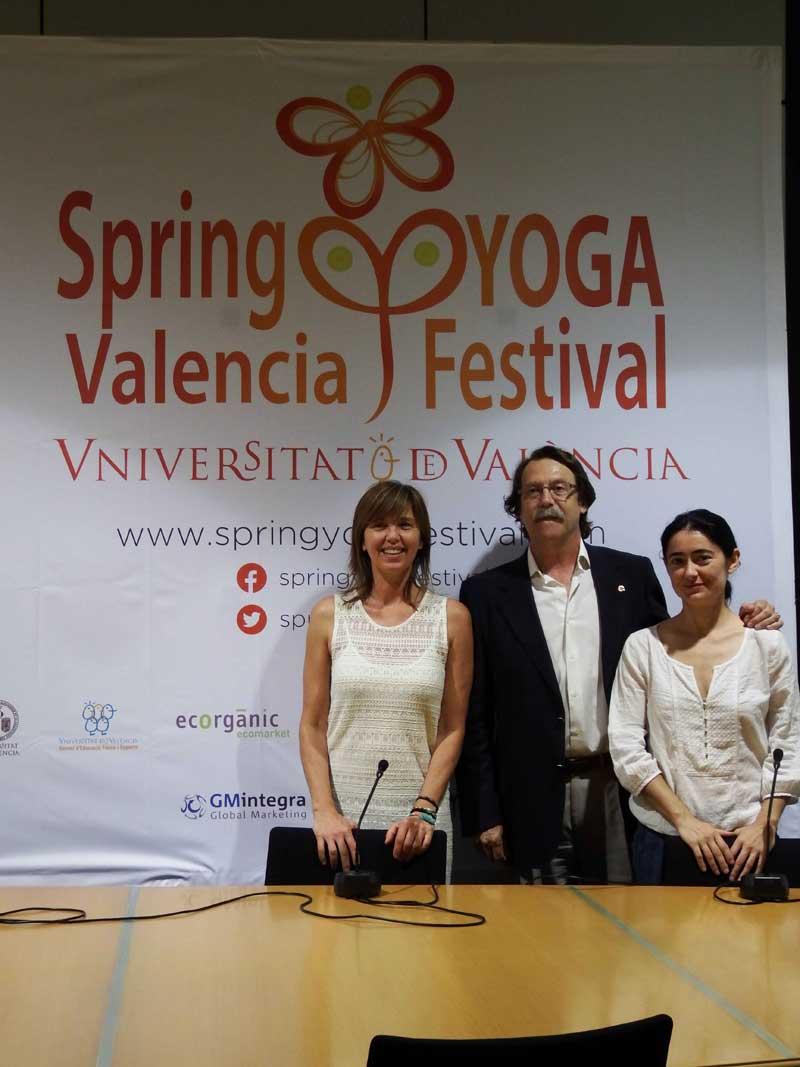 Presentació de la segona edició del Spring Yoga Festival, amb la presència de José Campos, director del Servei d'Educació Física i Esports de la Universitat de València.