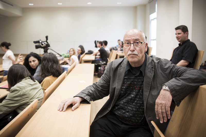 Andreu Martín parla del seu llibre Com escric novel·la policíaca. Foto: Miguel Lorenzo.