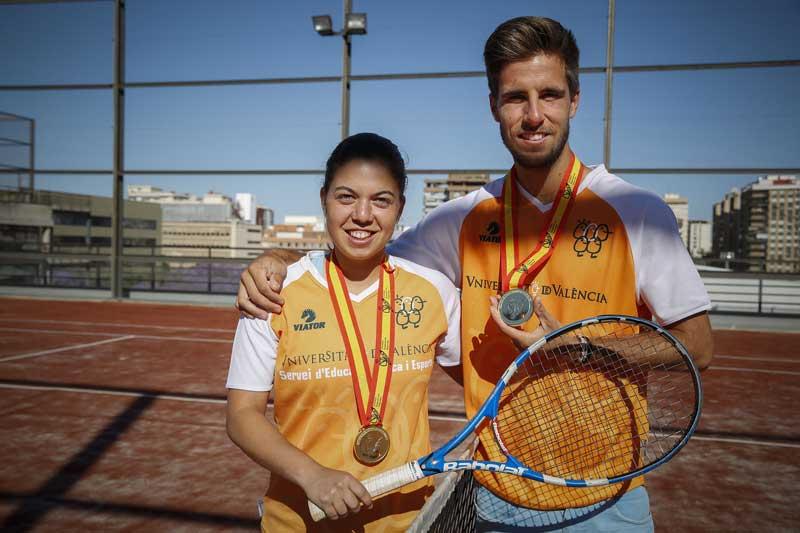 Samuel Ribeiro i Ainhoa Zamora. La parella ha sigut medalla d'or en dobles mixte al Campionat d'Espanya Universitari de Tennis. Foto: Miguel Lorenzo.