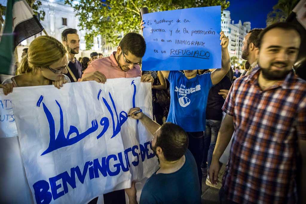 Concentració a València en favor dels refugiats de la guerra a Síria. Foto: Miguel Lorenzo