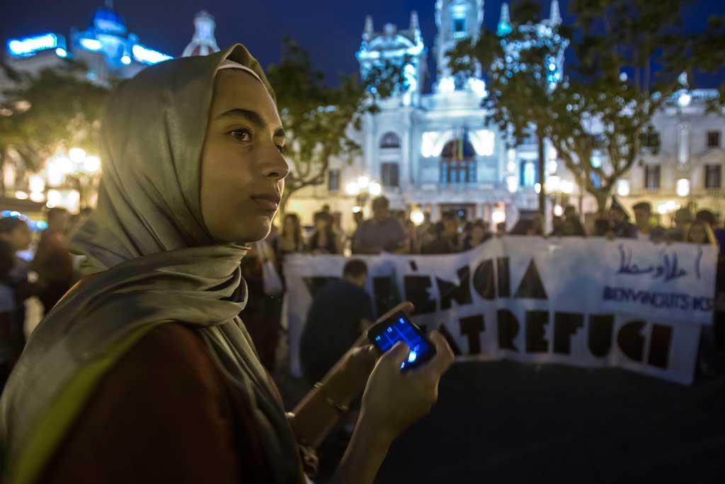 La Universitat de València està preparada per a col·laborar en la campanya de solidaritat amb els refugiats provinents del conflicte de Síria. Foto: Miguel Lorenzo.