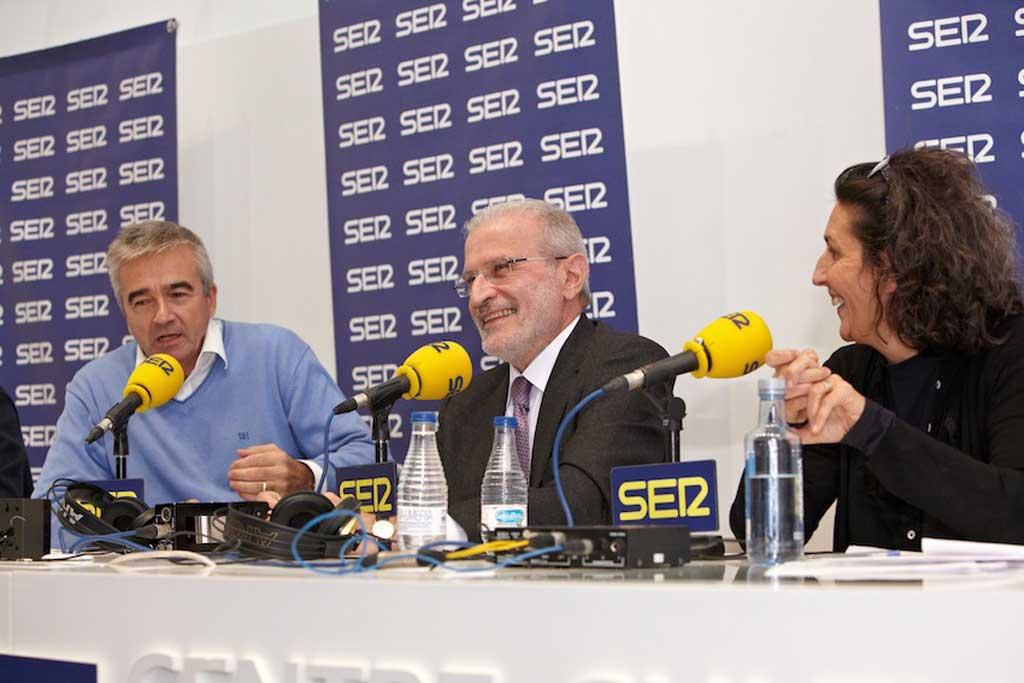 Participació del rector de la Universitat de València, Esteban Morcillo, en el programa La Ventana que dirigeix Carles Francino.