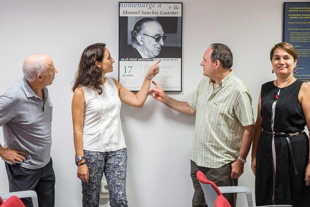 Emili Casanova, Laia Miralles, Maria Josep Cuenca, Antoni Ferrando a l'acte d'homenatge a Sanchis Guarner. Foto Miguel Lorenzo.