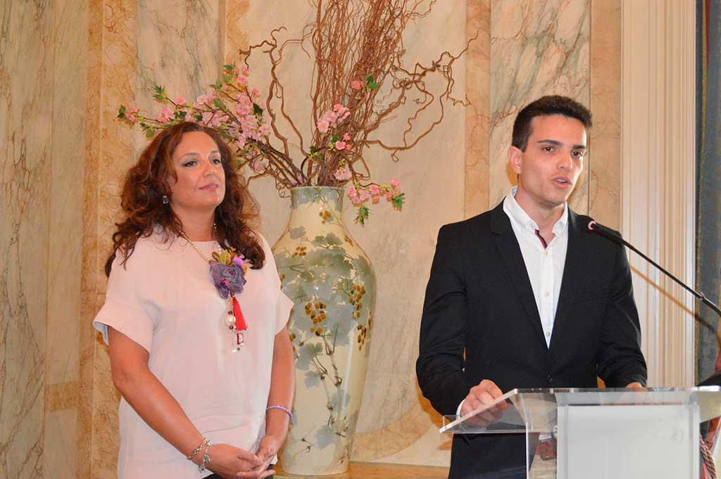 Marcos Jódar, a la dreta, duran l'acte celebrat a l'Ambaixada de França.