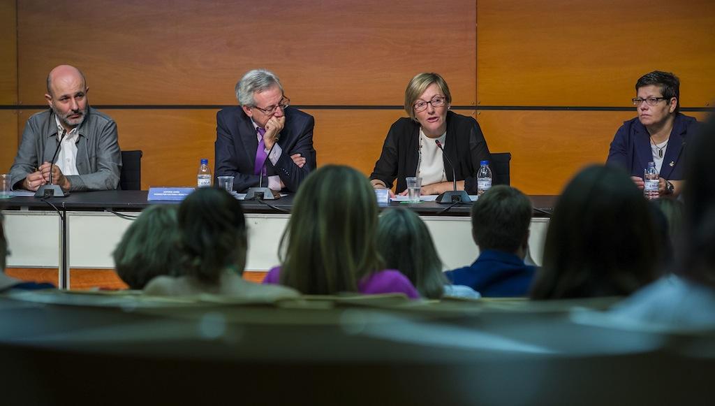 Ernest Cano, Antonio  Ariño, María José  Salvador i  Isabel Garcia .