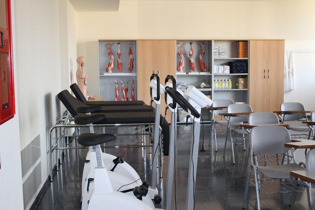 interior-aulari-nou-campus-Ontinyent-Infermeria-02